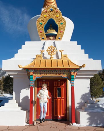 Ellen Wood at the levitat stupa